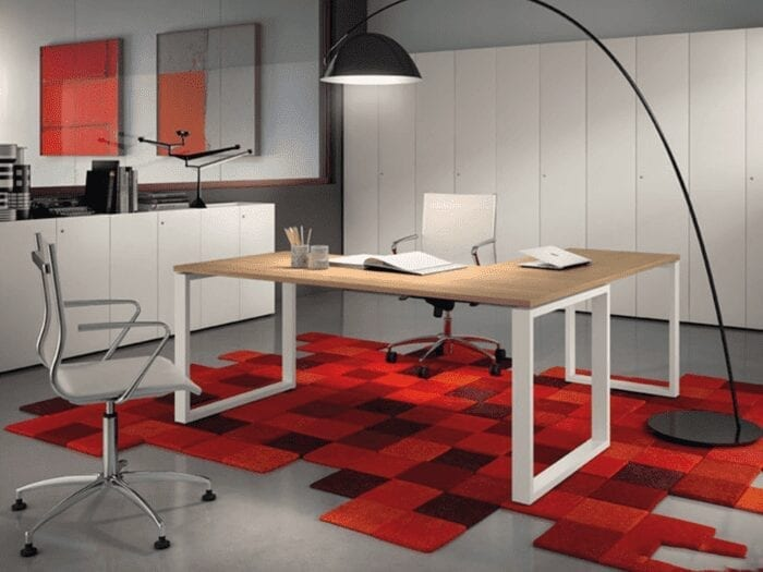 Pal – Operating Desk with U Legs