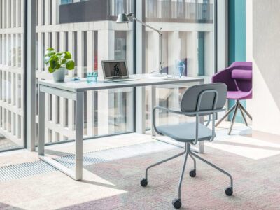 Bella – Office Desk With Ring Leg1