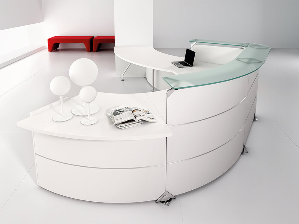 Benito 5 – Curved Reception Desk With Aluminium Stripe Finishes And Dda Approved Wheelchair Access Unit