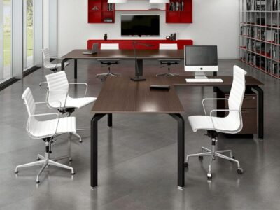 Flare – Conference Table with Metal Legs