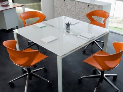 Lennox – Square Glass Top Meeting Table