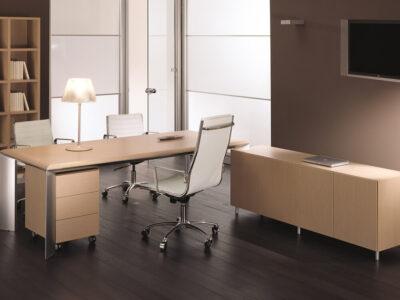 Naya – Executive Desk With Aluminium Legs And Optional Credenza Unit1