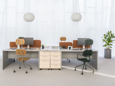 Noah – White Operational Office Desk With Slab Leg
