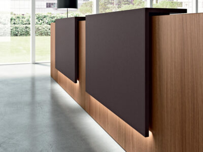 Roman 3 – Straight Reception Desk With End Side Panels