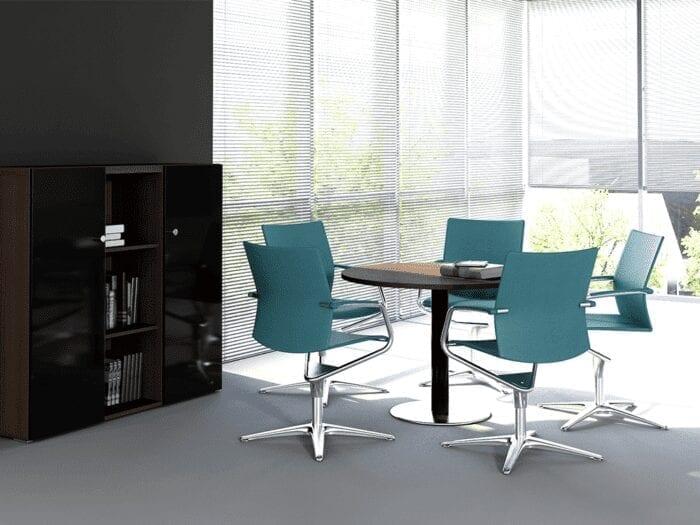 Hamburg – Round Meeting Table with Black Column