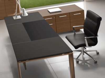 Ryder – Leather Executive Desk with Ring Legs
