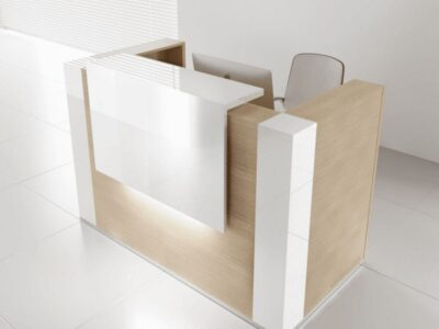 Andreas 7 – Straight Reception Desk with Gloss White Corners and Overhang Panel