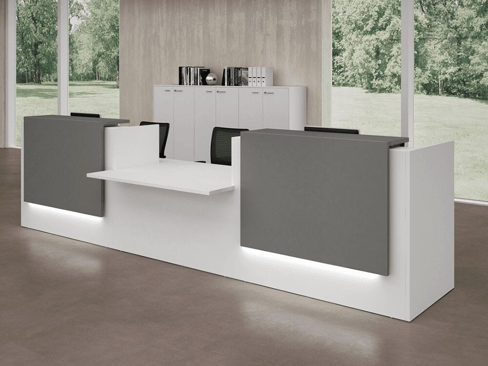 Nero 3 – Straight Reception Desk with Middle Low Counter