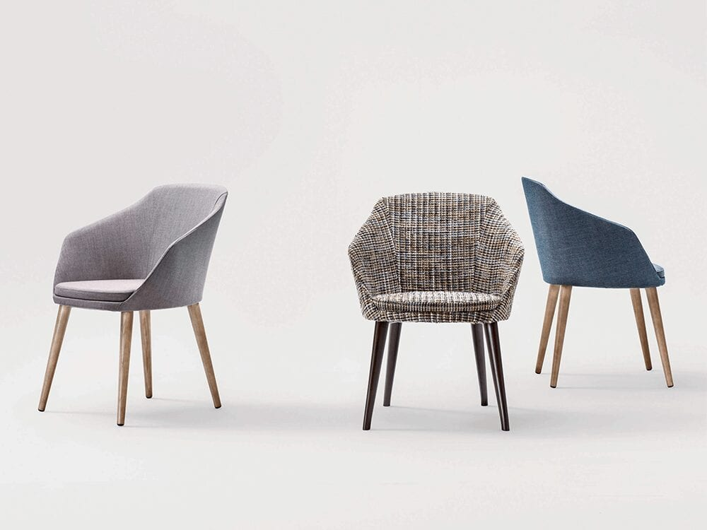 Doris – Leather Armchair with Wooden Legs