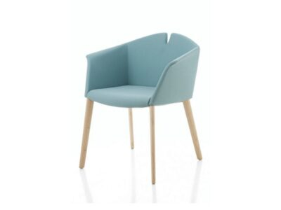 Jett – Winged Armchair in Multicolour with Wooden Legs