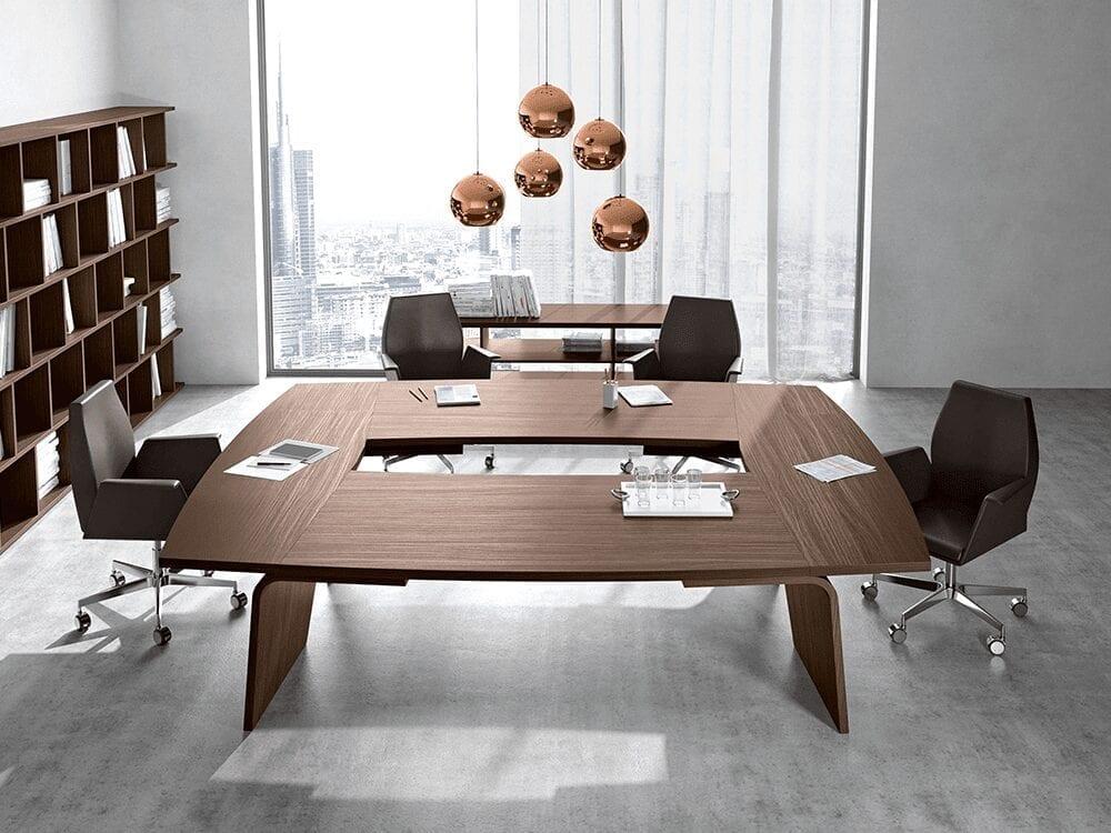 Fionn – Four Piece Meeting Table