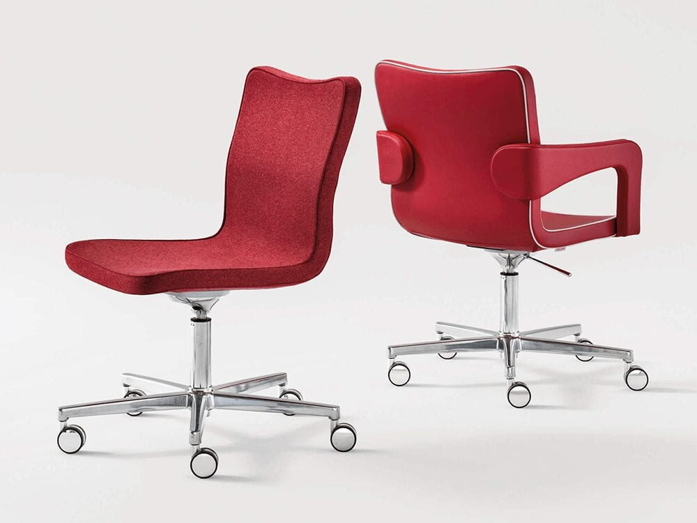Arlo – Leather Armchair with Five-Star Base with Wheels