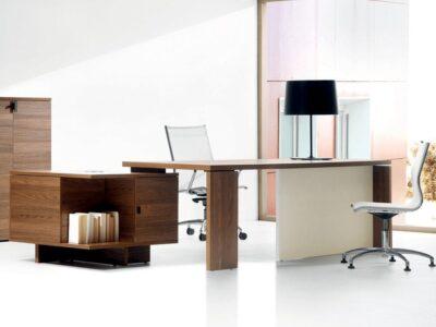 Grandioso 2 - Grand Executive Desk and Optional Credenza Unit