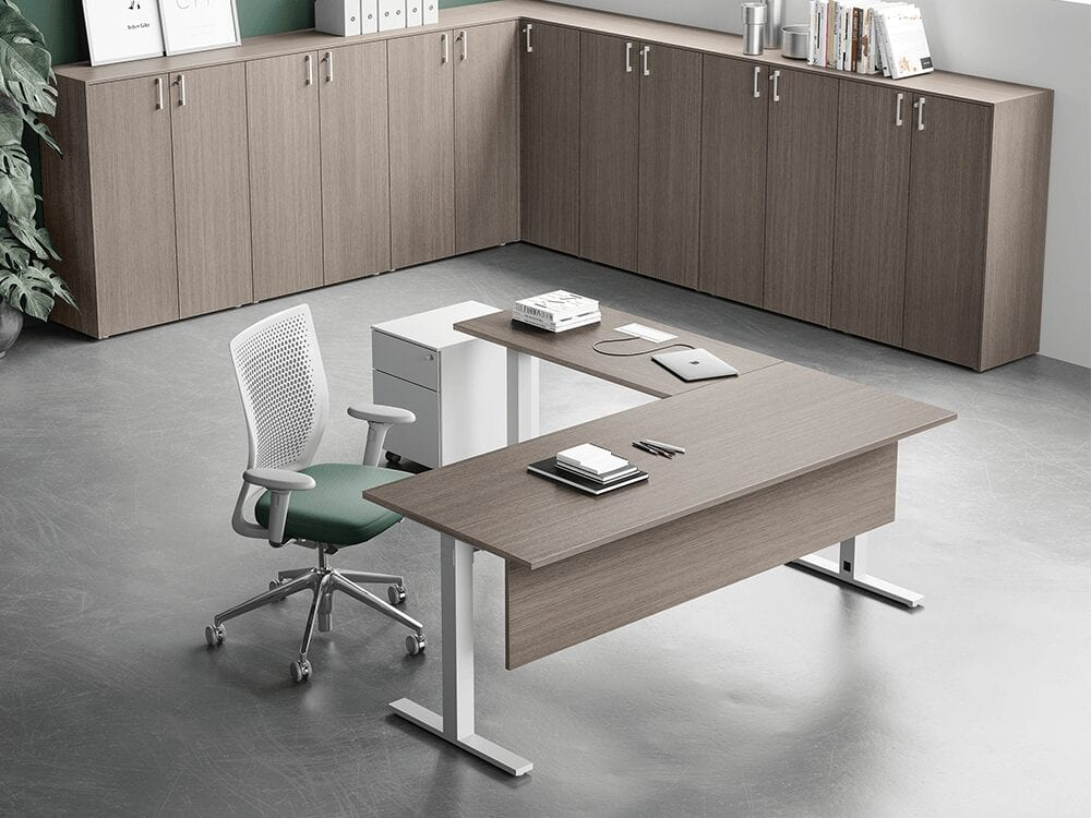 Liscio – Square T Leg Executive Desk