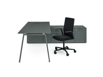 Minimo 1 – Simple Executive Desk