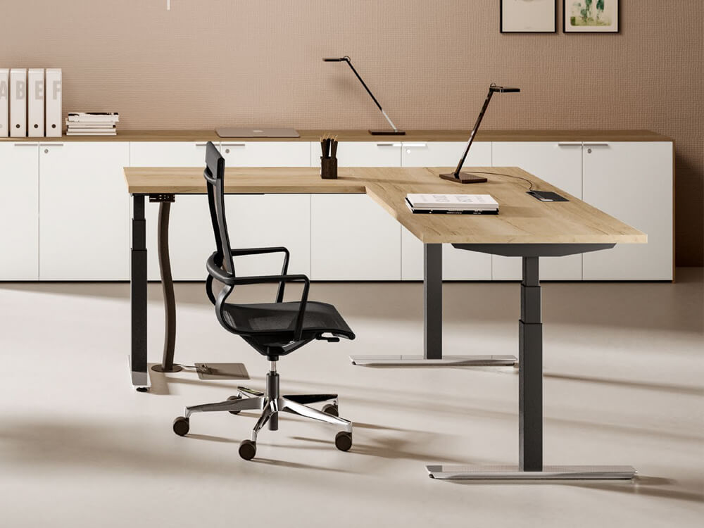 Vigente – Height Adjustable At Fixed Positions Desk With Optional Return