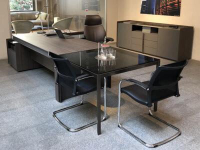 Vittoria Desk With Credenza 2