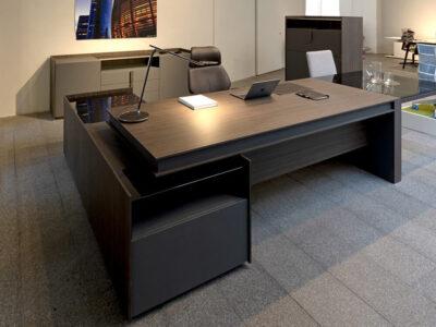 Vittoria Desk With Credenza 3