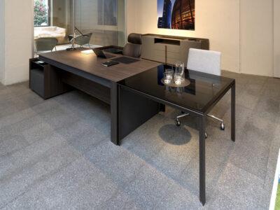 Vittoria Desk With Credenza