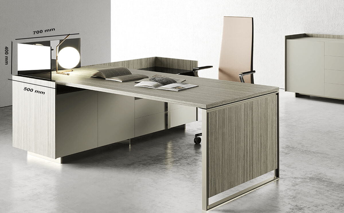 Size Screen Magenta Desk (1)