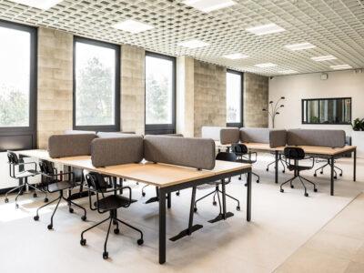 Bloom 1 – Operational Office Desk