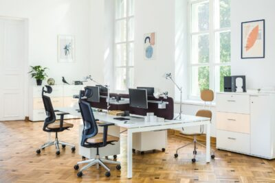 Perry 1 – Straight Office Desk With White Legs1