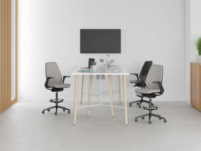 Robin Meeting Table With Footrest