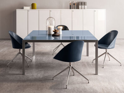 Hype Meeting Table With Lacquered Glass Top