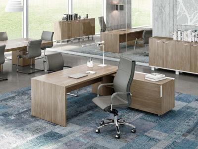 Oliver Grand Executive Desk With Optional Credenza Unit2