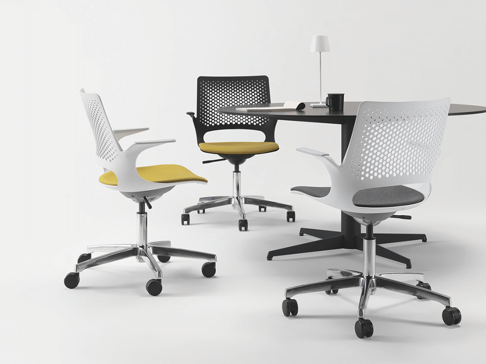 Groove Plastics Swivel Visitor Chair