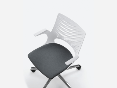 Groove Plastics Swivel Visitor Chair2