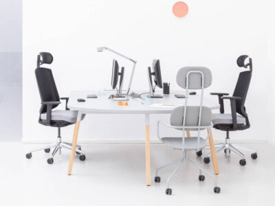 Trendy 1 – Contemporary Operational Office Desk1