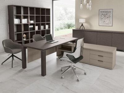 Bravvo 1 Executive Desk In Square Shaped Legs 1