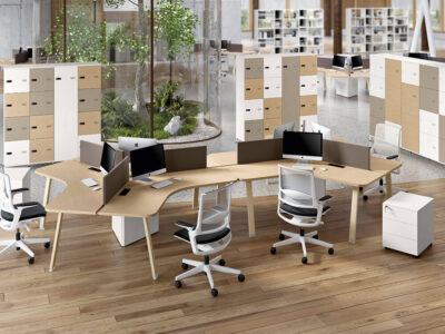 Carita 8 A Legs Curved Workstation For 3 Persons Main Image