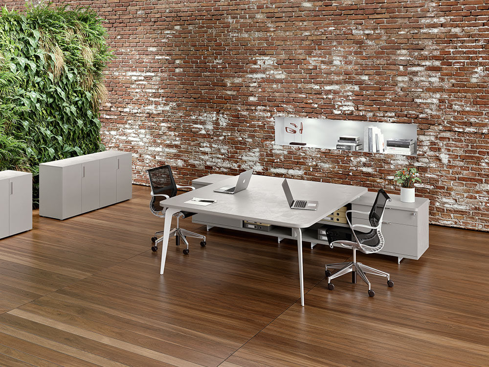 Donati 5 Back To Back Operational Office Desk With Credenza Unit Main Image